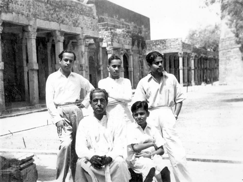 At the Qutub Minar in New Delhi circa 1949 (l to r) standing Sunda, nephew V Narayanaswami and artists Chandra. seated Kalki Krishnamurthy with son Rajendran