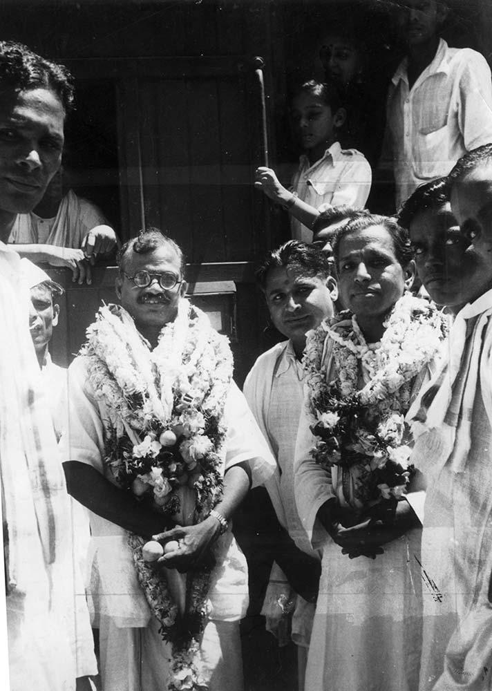 1947 campaign for Dalit access to temples. Kalki with J Sivashanmugam Pillai, speaker of Madras Legislative Assembly